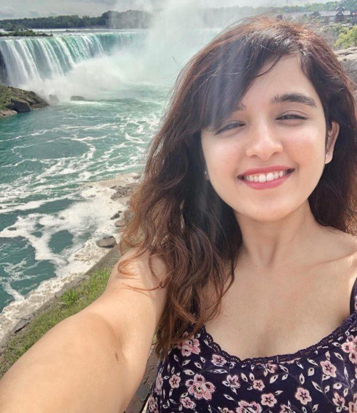 selfie pics Shirley Setia